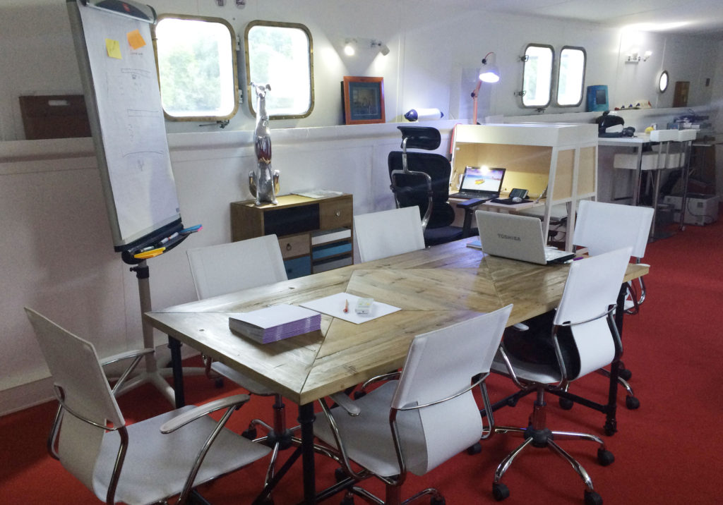 Office Space Houseboat Smart Paddle